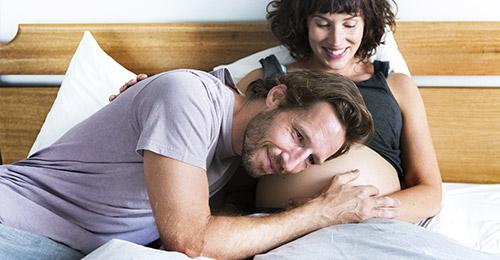 I movimenti del bebè in gravidanza: sono normali?